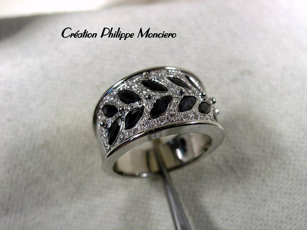 Bague 'Laurier saphirs et diamants