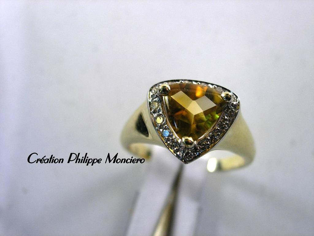 Bague citrine suiffée et diamants