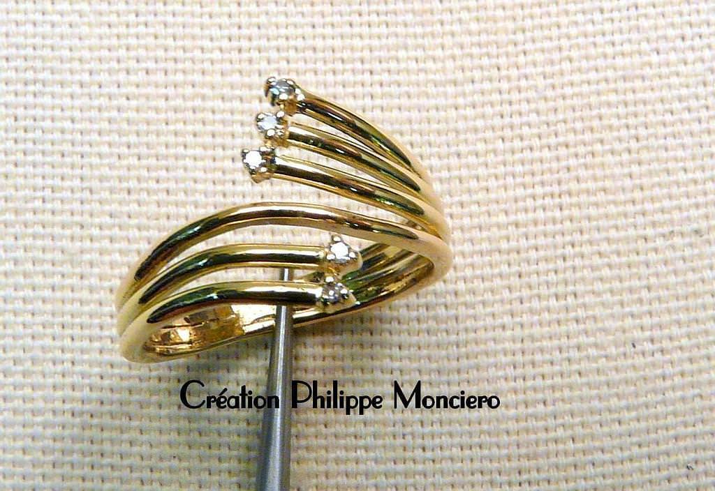Bague en or jaune et diamants, faite main