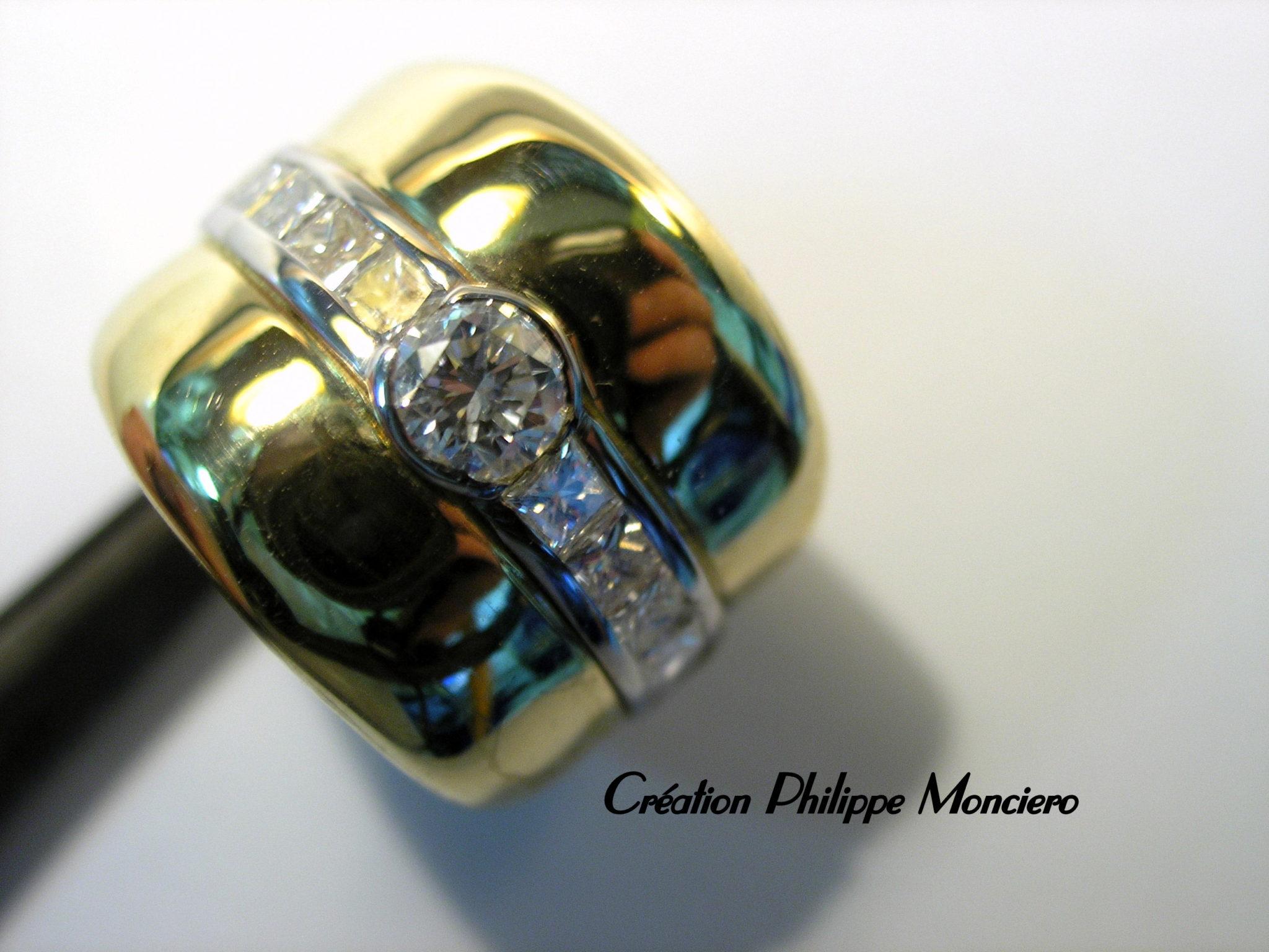 """Bague bicolore avec diamant ronds et diamants """"princesses"""". Monciero - Nîmes"""