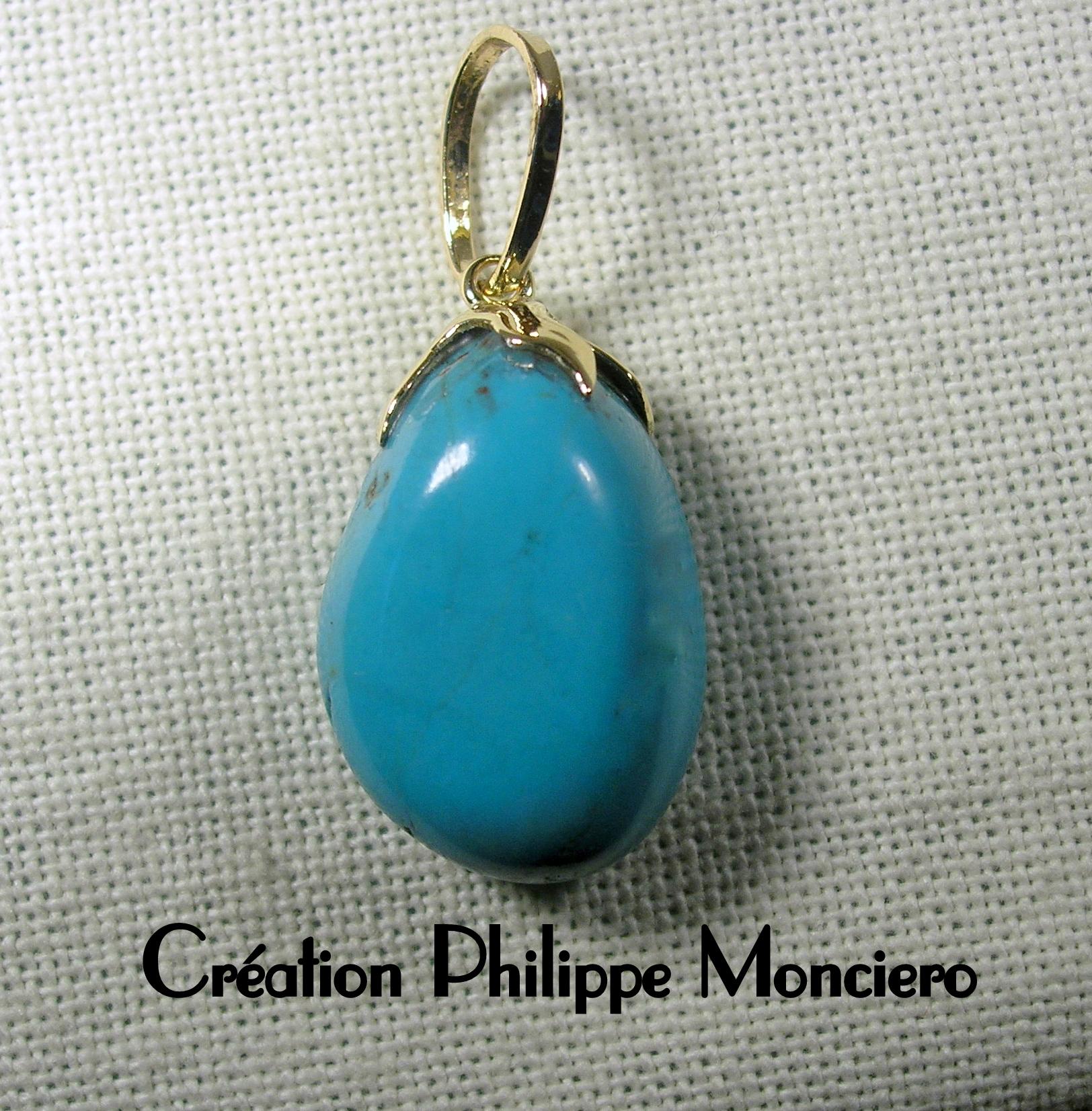 Pendentif turquoise et petit motif or. Monciero - Nîmes