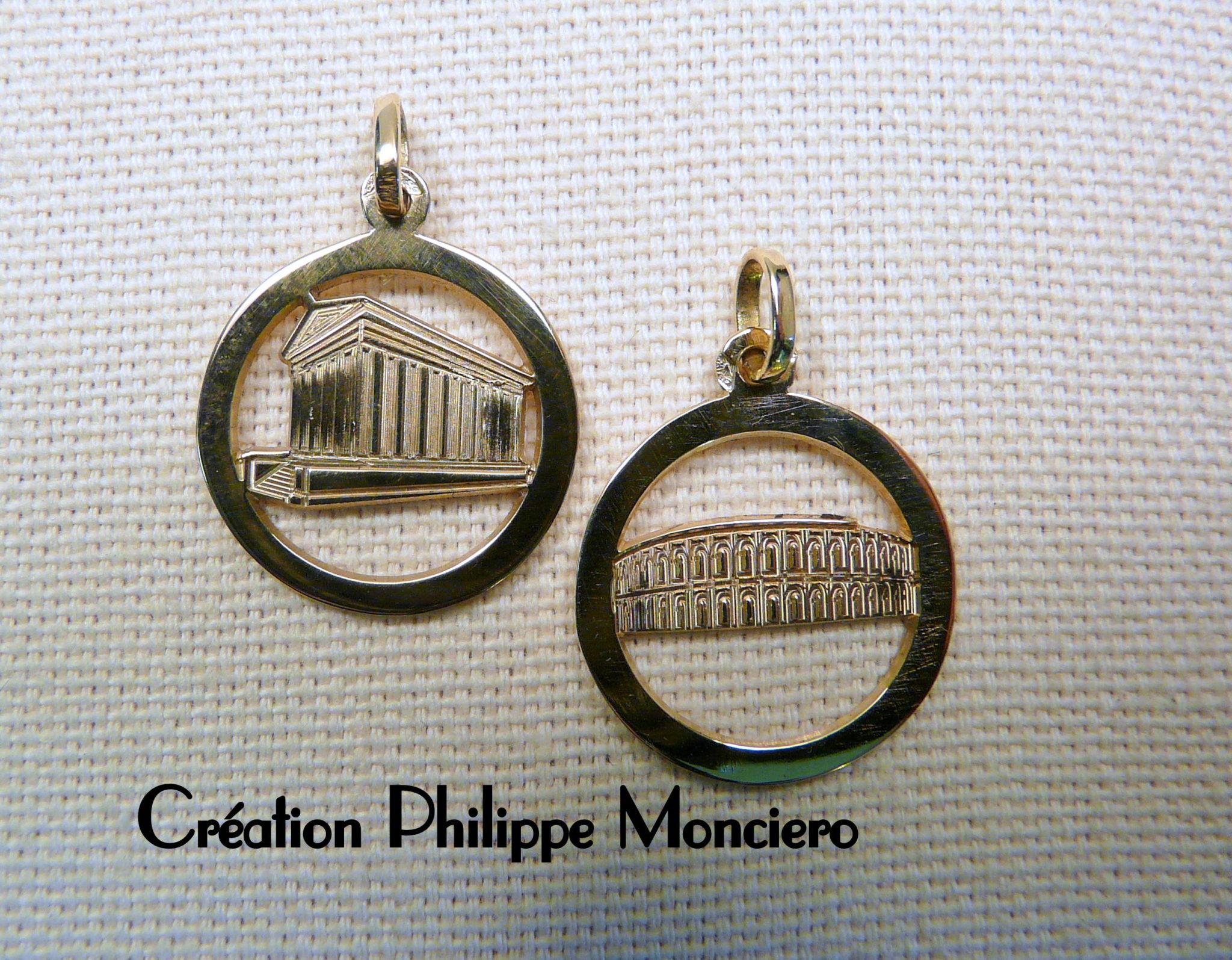 """Médailles """"Arènes et Maison Carrée"""" or jaune. Monciero - Nîmes"""