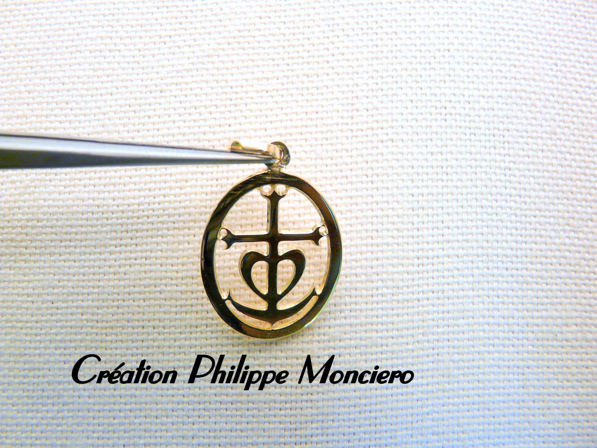 Médaille Croix de Camargue Monciero - Nîmes