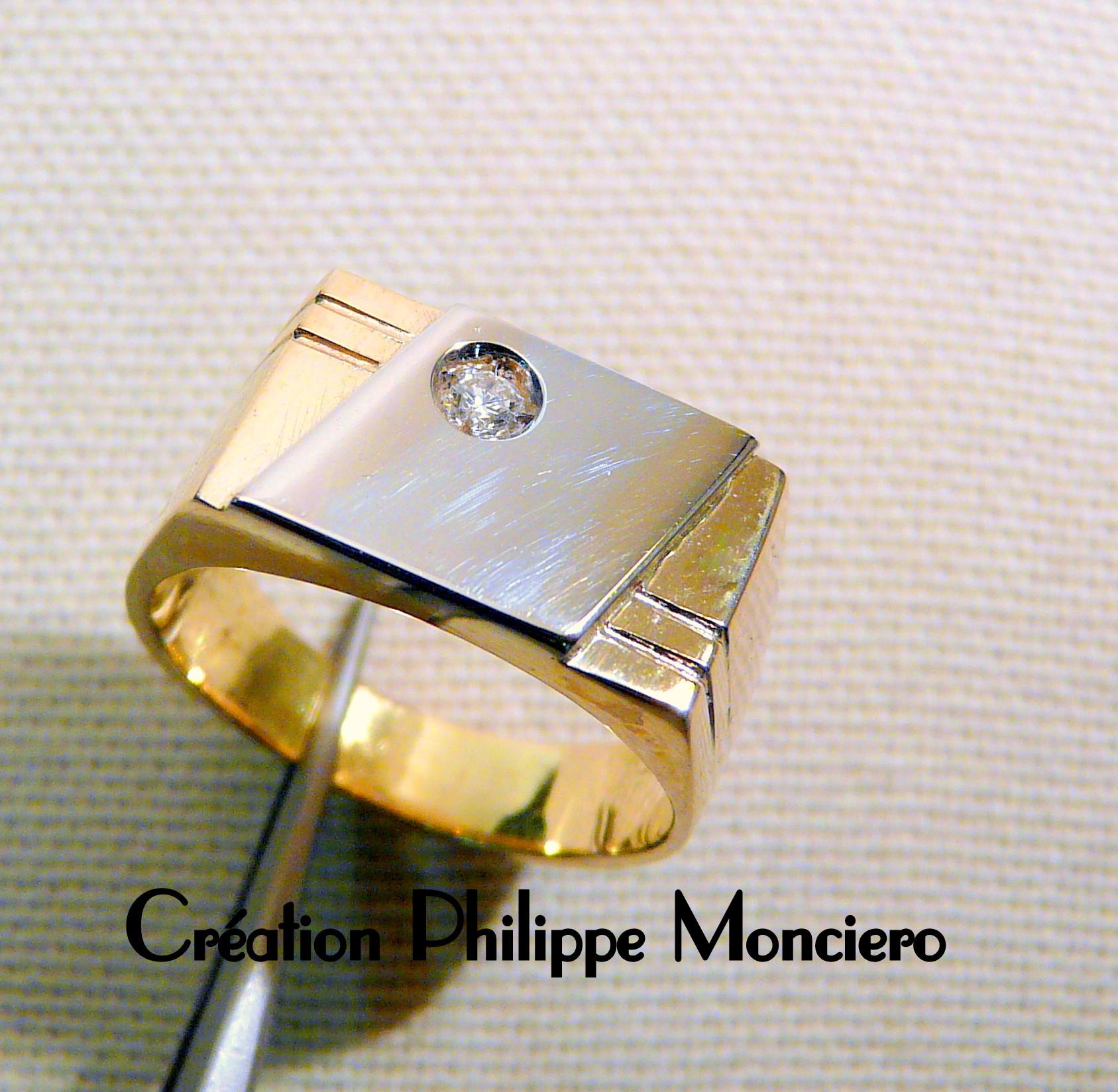 Chevalière bicolore et diamant. Monciero - Nîmes