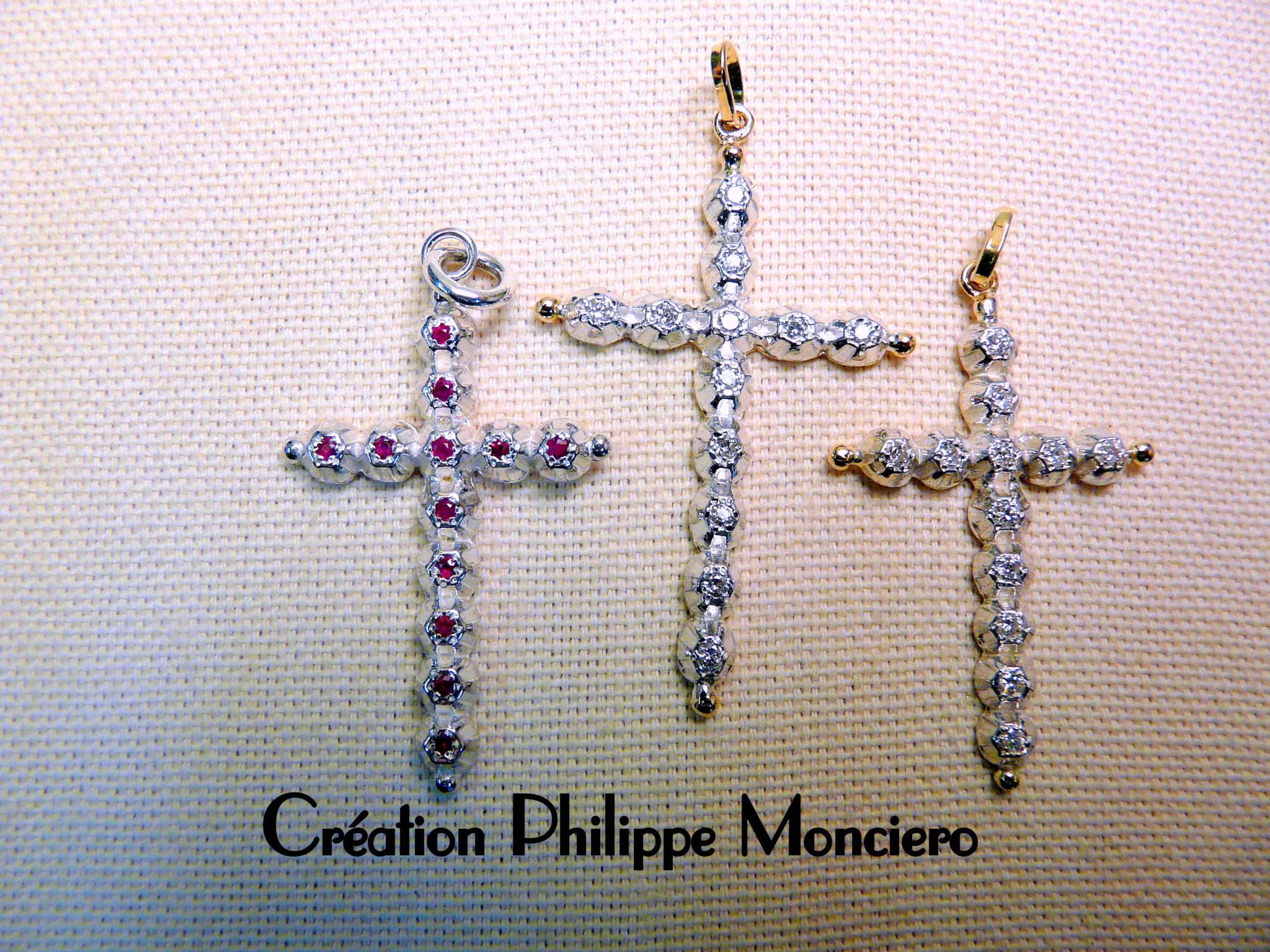 """Croix """"Jeannette"""" argent et or. Monciero - Nîmes"""