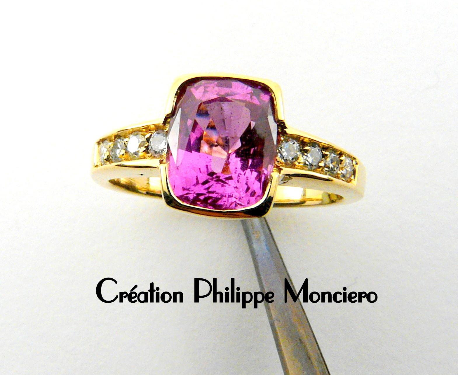 Bague or jaune, saphir rose et diamants. Monciero - Nîmes